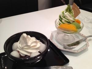 麻生茶房の白玉クリームぜんざいと抹茶なんとか。